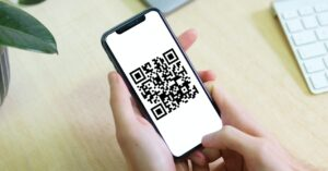 How to scan QR codes with the iPhone