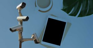 Using your tablet as a video surveillance system: Security cameras