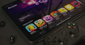 Apple allows streaming game