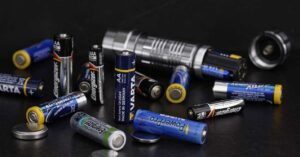 Types of batteries and differences: Saline, alkaline and rechargeable