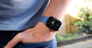 Apple Watch SE with discount: offer on Amazon