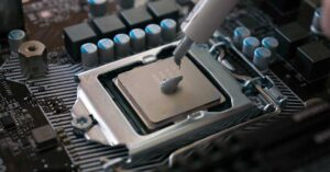 Methods and techniques for applying thermal paste to a processor