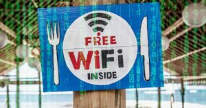 How to connect to a public WiFi network: Types, tips…