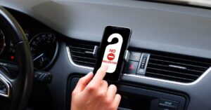 How to Avoid iPhone Distractions While Driving
