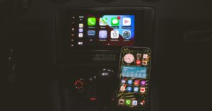 How to change the wallpaper in Apple CarPlay and other…