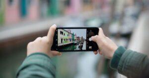 How to make iPhone screen horizontal