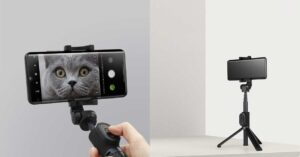 Xiaomi launches a selfie stick with zoom and a smart…
