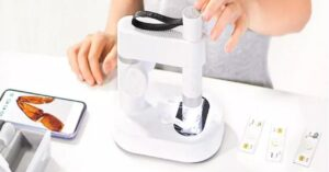 This Xiaomi microscope is perfect for children, you control it…
