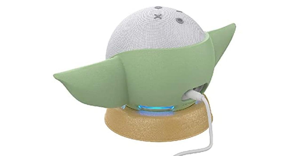 Amazon Echo base Baby yoda