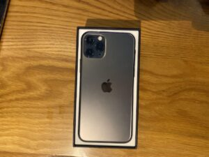 Unboxing and first impressions of the new iPhone 11 Pro