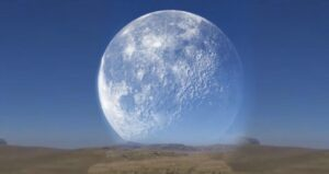 The fake viral video of the giant moon of the…