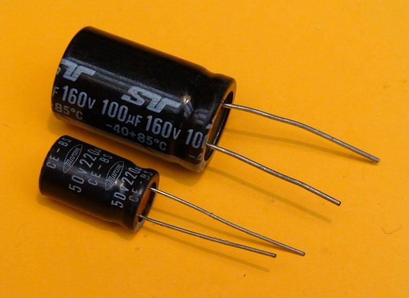 Capacitors analog circuits