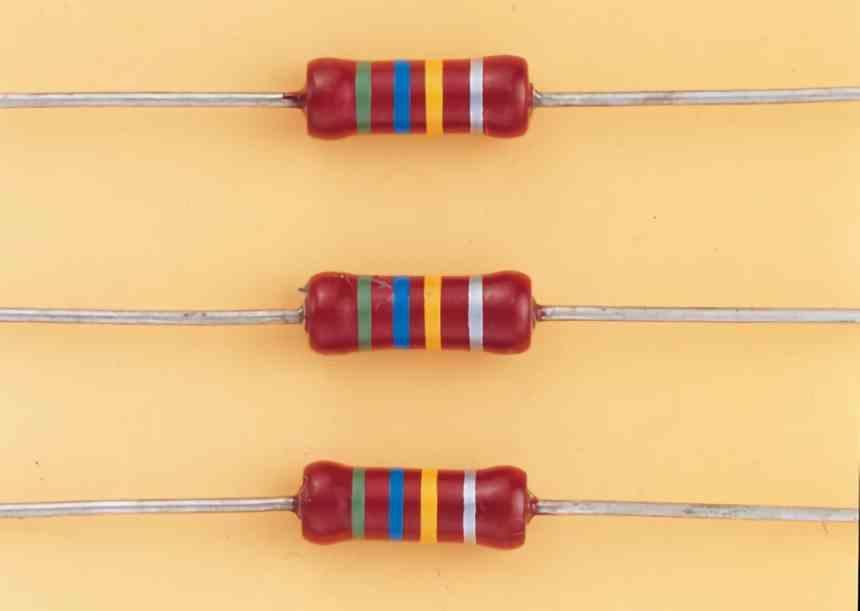 Analog circuit resistors