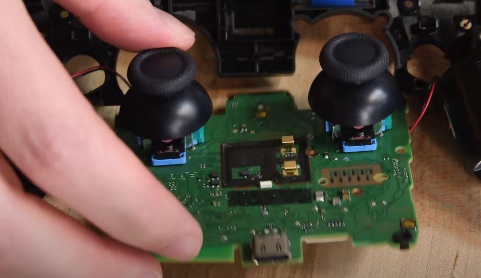 PS5 controller joysticks
