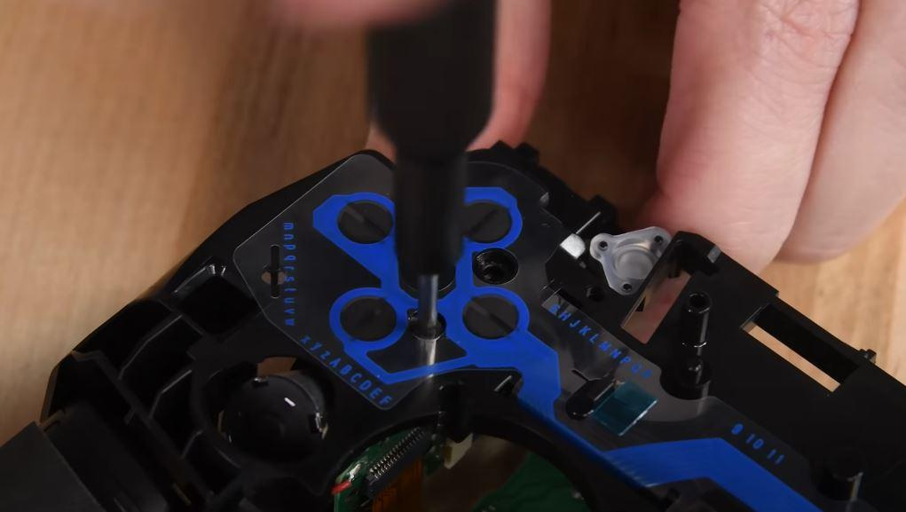 Disassemble PS5 controller