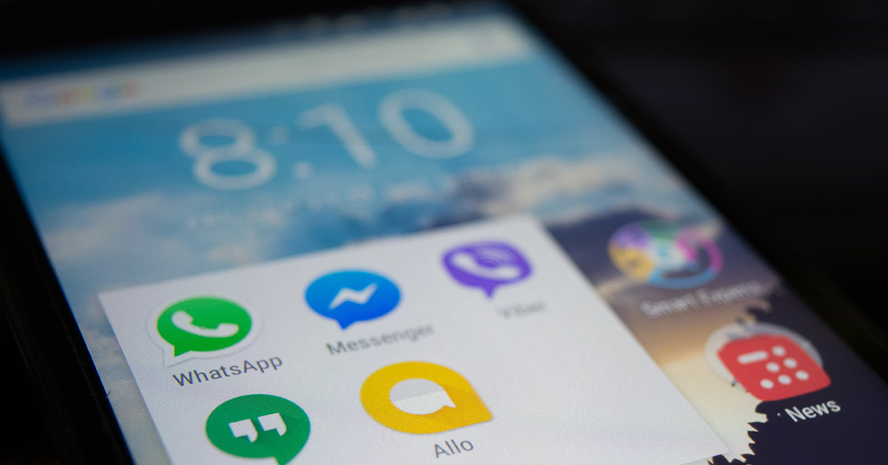 Instant messaging apps on an Android phone