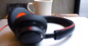 How to create audio files with white noise in Windows