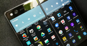 We tested the new ZTE Axon M: is its double…